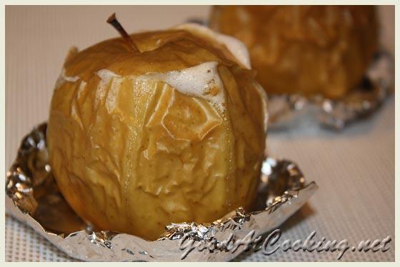 Запеченное яблоко