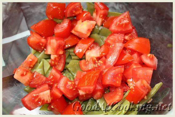 Рецепт летнего салата с дрессингом из помидоров с пошаговыми фото