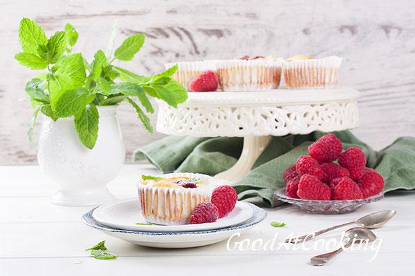 Рецепт мини чизкейков из рикотты с малиной с пошаговыми фотографиями