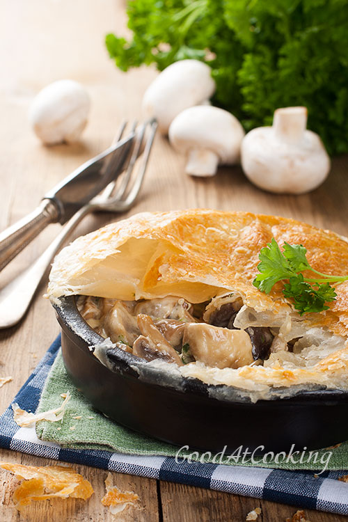 Рецепт грибов запеченных под слоеным тестом