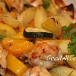 Крылышки, запеченные с овощами