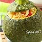 Круглые кабачки, фаршированные рисом с овощами