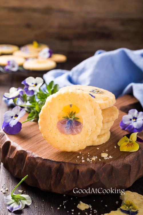 Песочное печенье с цветами